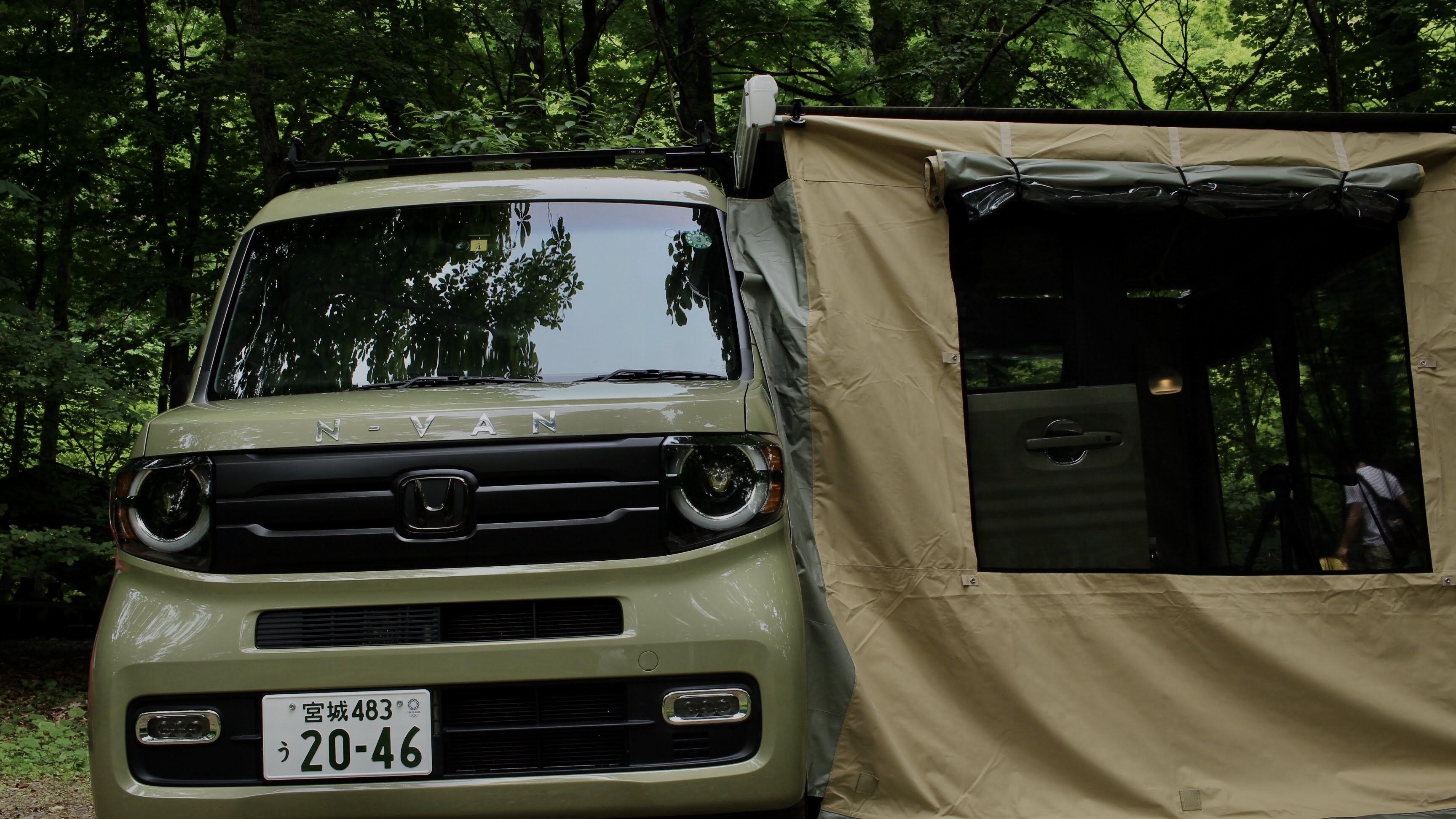 森の中での車中泊