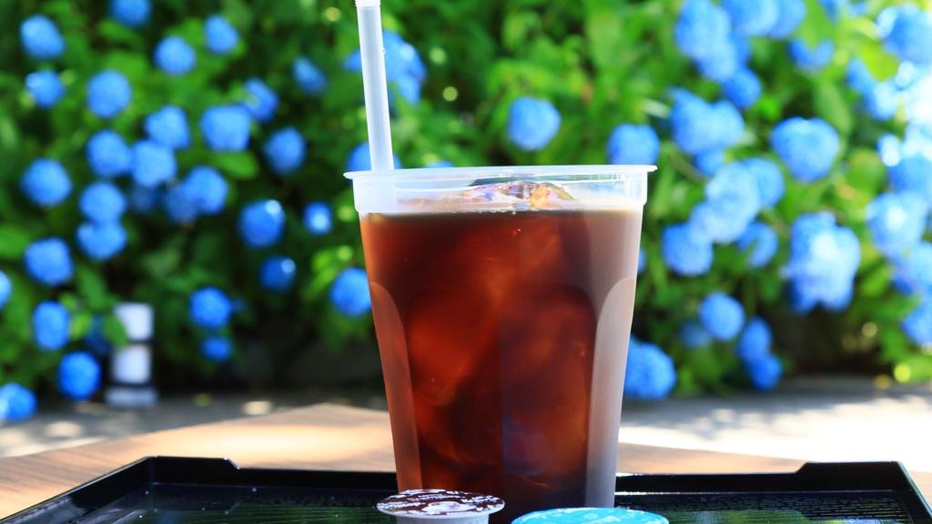 アジサイとアイスコーヒー